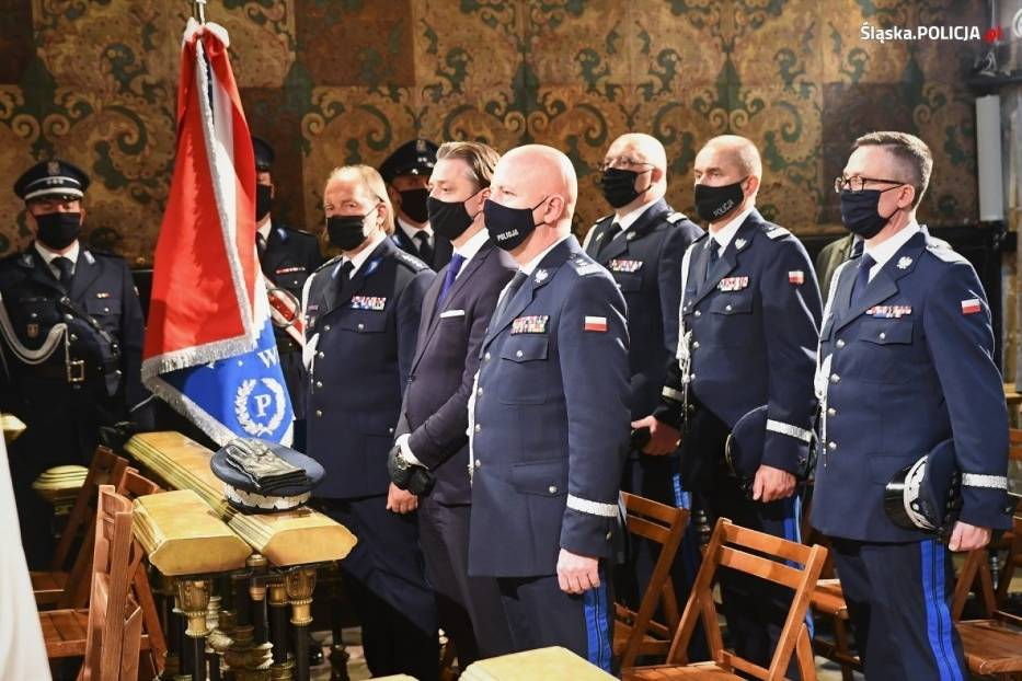 Granatowy generał na służbowej pielgrzymce